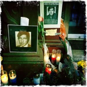Leonard Cohen memorial at Chelsea Hotel Nov. 2016